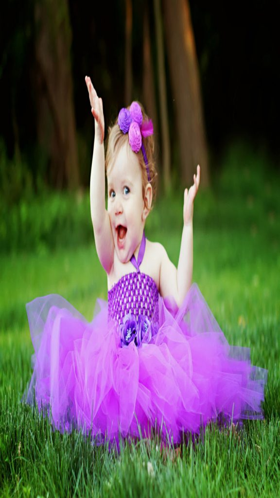 Lovely-baby-girl-in-purple-dress-iphone-hd-wallpapers-PIC-MCH083558-576x1024 Lovely Baby Wallpaper For Mobile 23+