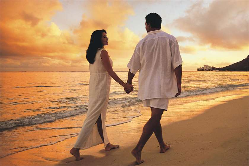 beach-love-couple-desktop-wallpapers-efr-PIC-MCH044458 Sensual Love Wallpapers 22+