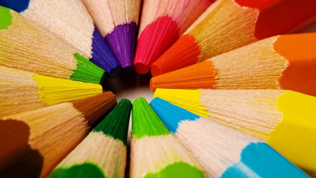 color-pencils-artistic-x-PIC-MCH053460-1024x576 Artistic Wallpapers For Laptop 39+