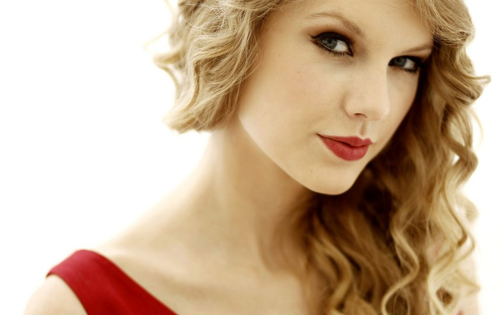 red-PIC-MCH098493-1024x640 Taylor Swift Wallpapers 1989 41+