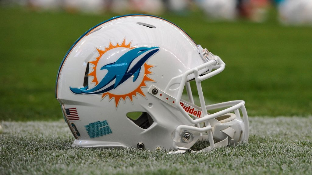 Free-Donwnload-miami-dolphins-wallpaper-PIC-MCH065138-1024x576 Miami Dolphins Wallpapers Free 26+