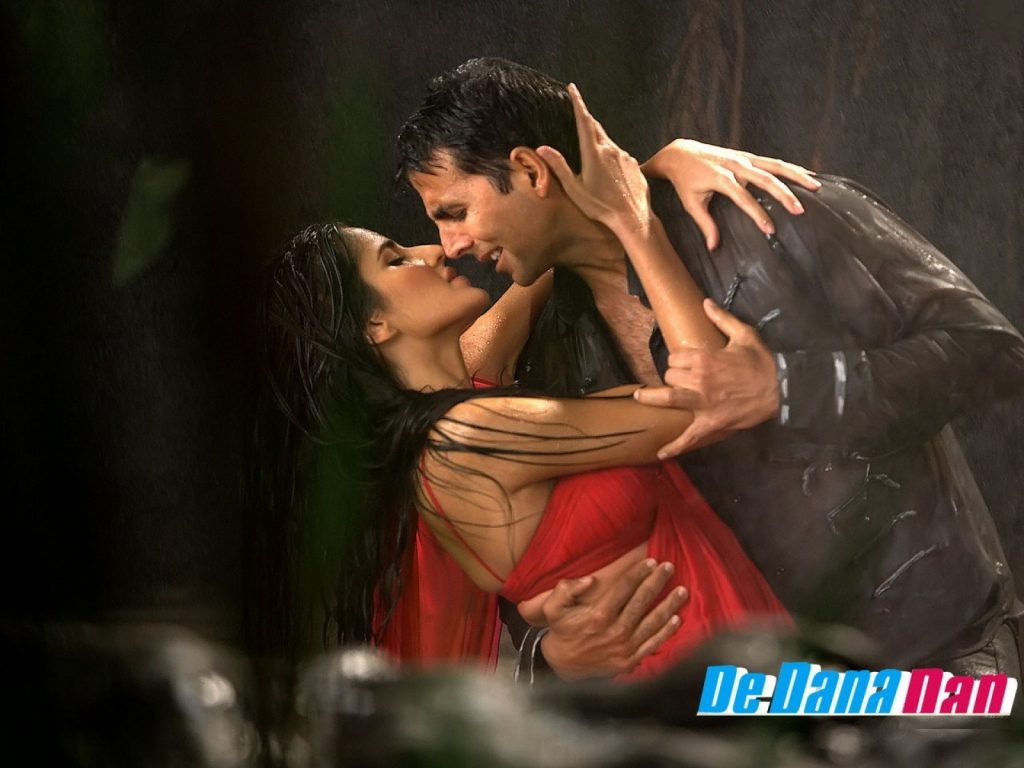 Kissing-in-the-rain-PIC-MCH080166-1024x768 Couple Kissing In Rain Wallpapers 21+