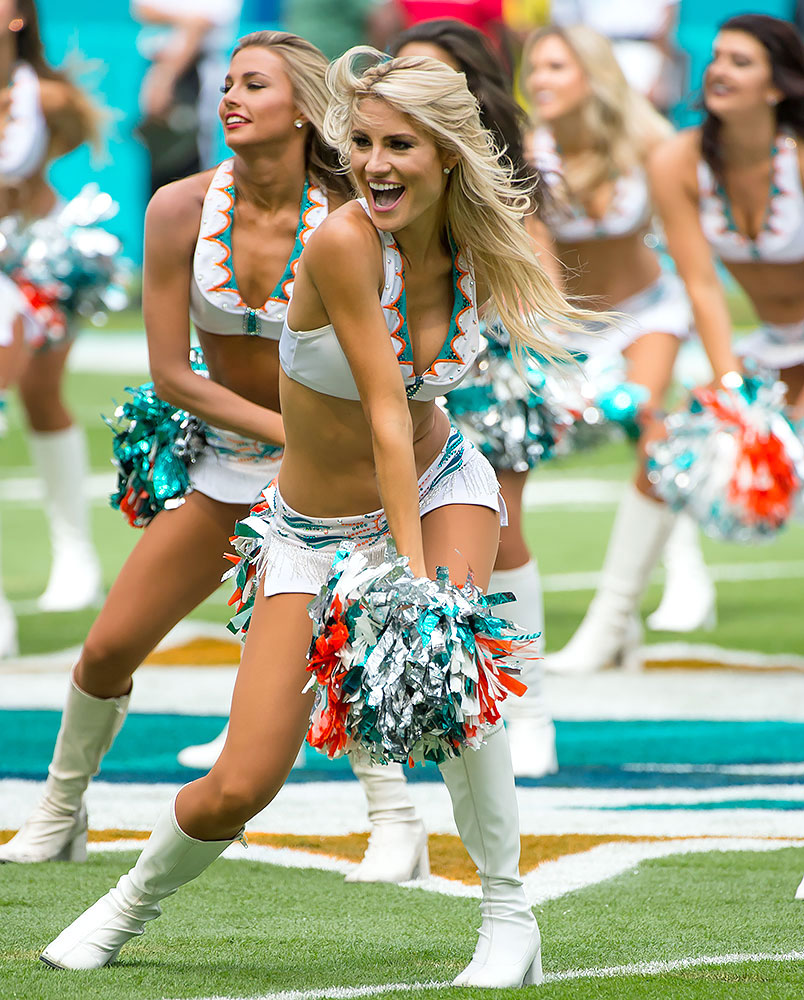 Miami-Dolphins-cheerleaders-GettyImages-master-PIC-MCH085967 Miami Dolphins Cheerleaders Wallpapers 32+