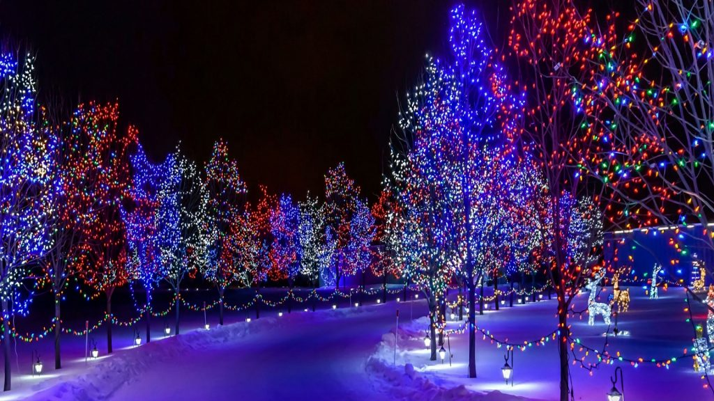 PIC-MCH07592-1024x576 Christmas Lights Wallpaper For Android 24+