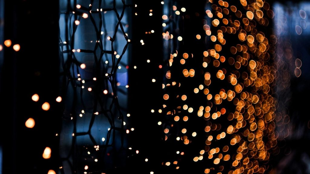 PIC-MCH08027-1024x576 Christmas Lights Wallpaper For Android 24+