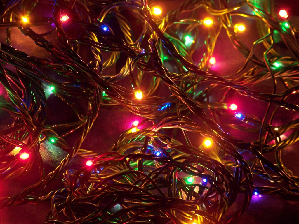 PIC-MCH08174-1024x769 Christmas Lights Wallpaper For Android 24+