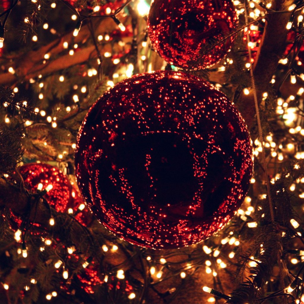 papers.co-an-christmas-light-balls-holiday-life-city-wallpaper-PIC-MCH093243-1024x1024 Christmas Light Wallpaper Iphone 27+