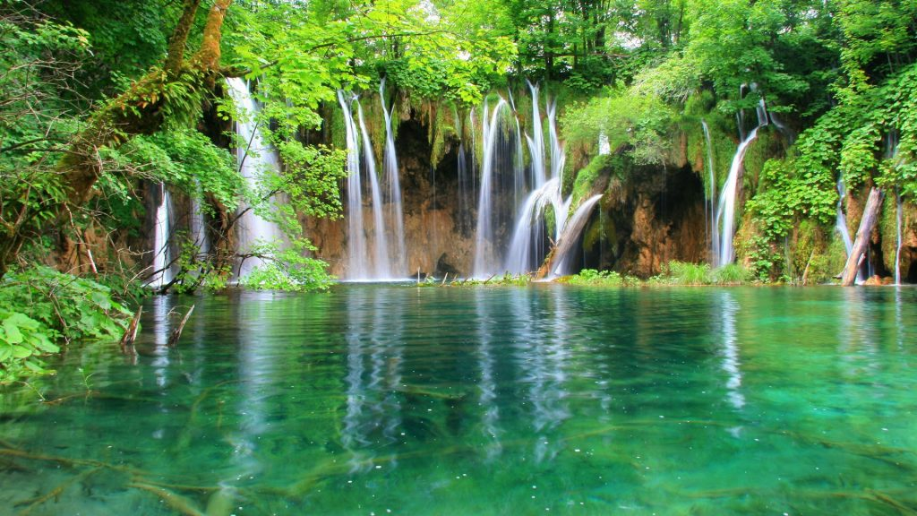 Amazing-Waterfall-Nature-Wallpapers-PIC-MCH039884-1024x576 Waterfall Hd Wallpapers 34+