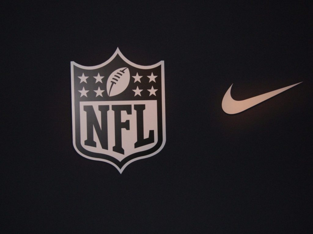 American-football-collection-nike-wallpaper-desktop-images-background-photos-hd-free-windows-wallpa-PIC-MCH039946-1024x768 Free Nfl Wallpapers For Iphones 25+