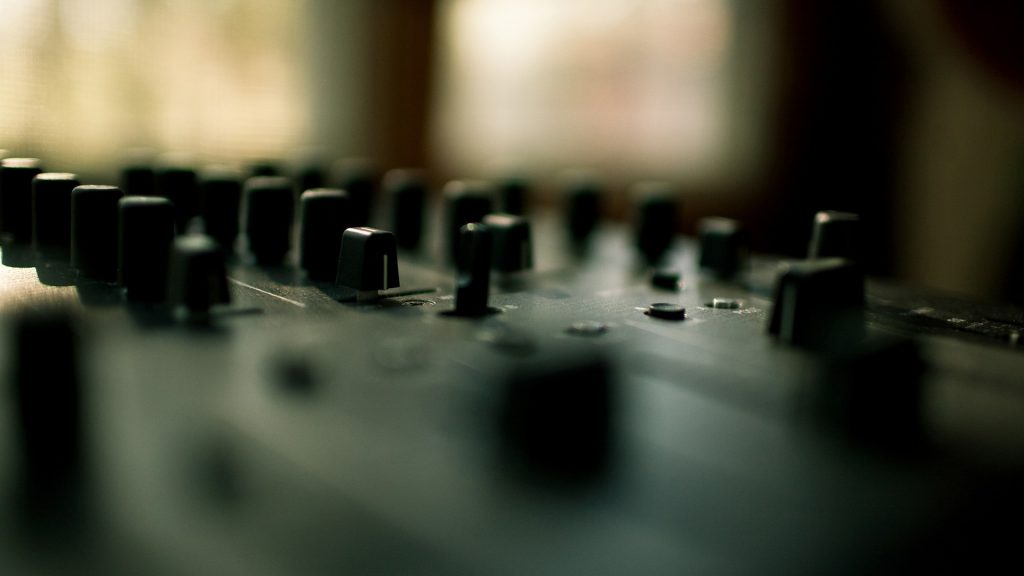 PIC-MCH014544-1024x576 Dj Mixer Wallpapers Hd 49+