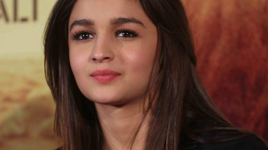 Pretty-Cute-Alia-Bhatt-Bollywood-Celebrity-Wallpapers-PIC-MCH096169-1024x576 Cute Actress Wallpapers Bollywood 40+