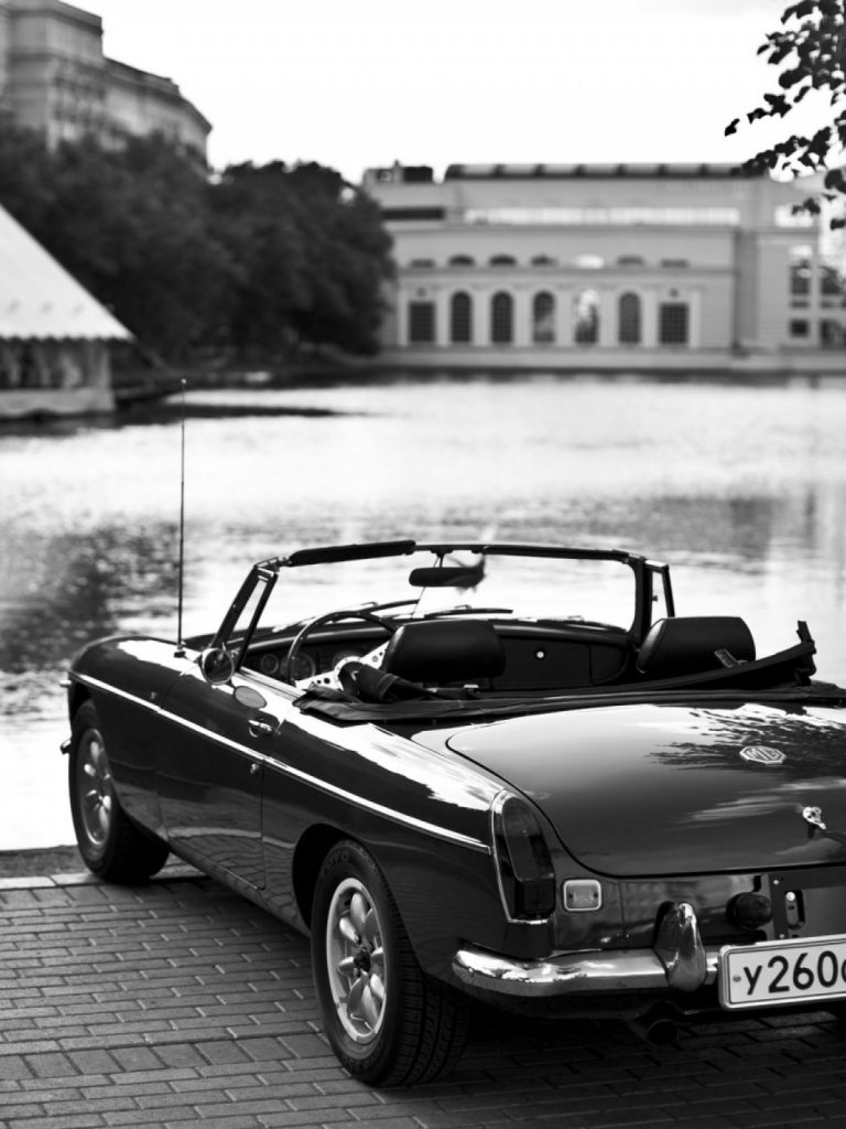 Retro-Car-Black-And-White-Lake-Android-Wallpaper-PIC-MCH098769-768x1024 Wallpapers Of Cars For Android 25+