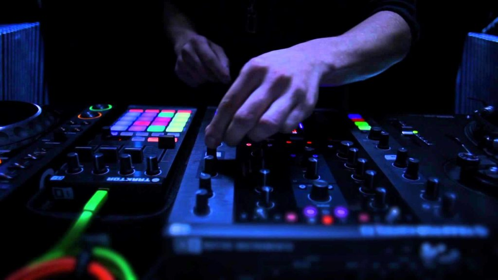 amazing-dj-mixer-wallpaper-x-for-android-PIC-MCH037257-1024x576 Dj Mixing Hd Wallpapers 37+