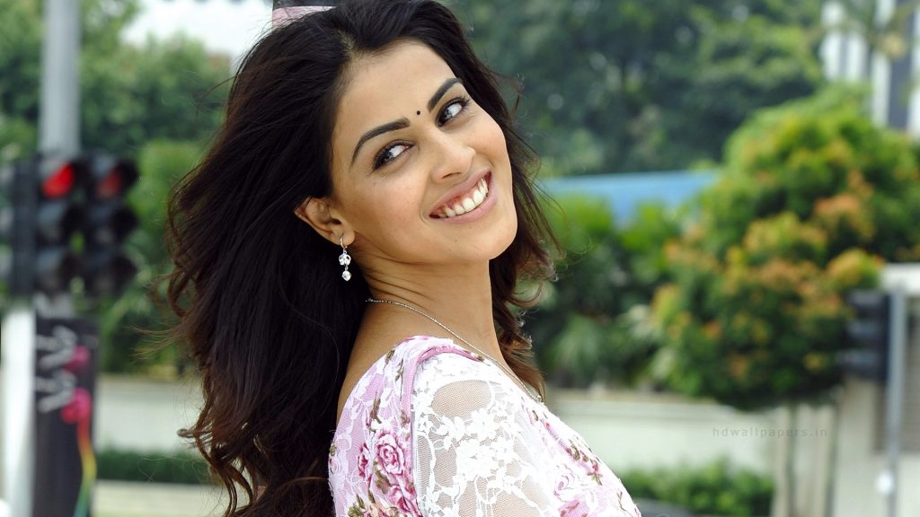 downloadfiles-wallpapers-indian-actress-genelia-PIC-MCH060414-1024x576 Cute Actress Wallpapers For Mobile Phones 21+
