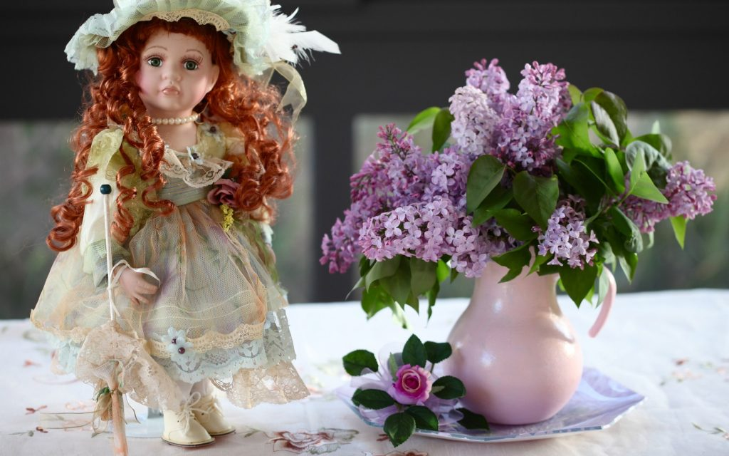 flower-doll-lilacs-bouquet-summer-cute-siren-kukla-kuvshin-picture-wallpaper-PIC-MCH064232-1024x640 Doll Wallpaper For Mobile 21+