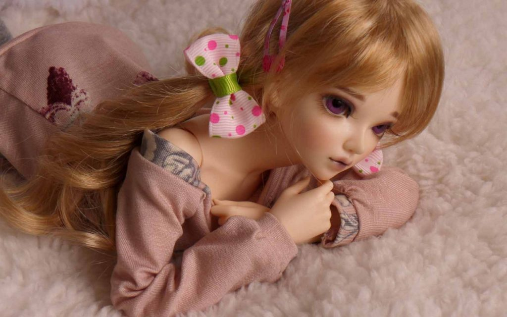lovely-doll-blonde-toy-PIC-MCH083638-1024x640 Doll Wallpaper Pic 10+