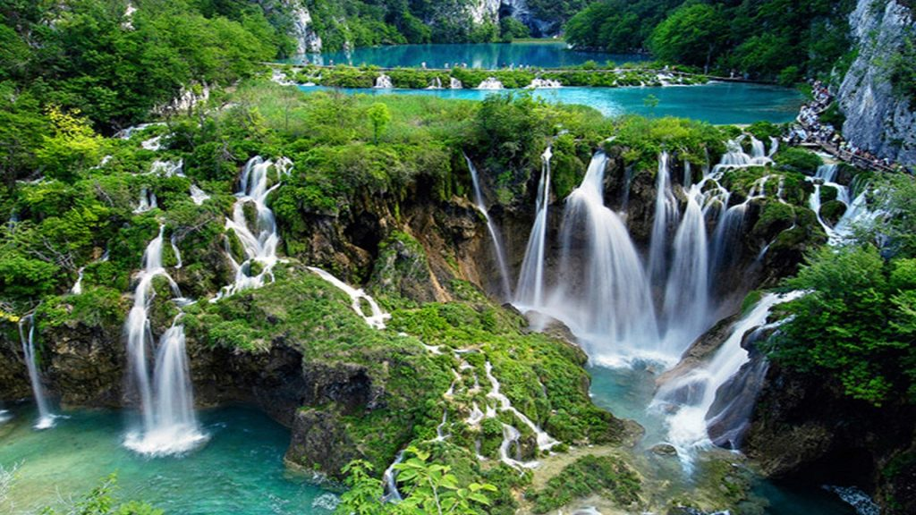 nature-waterfalls-wallpapers-for-desktop-free-hd-PIC-MCH089192-1024x576 Waterfall Hd Wallpapers 34+