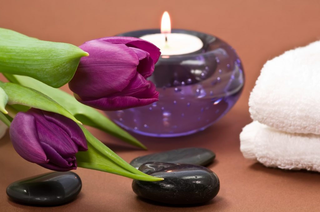 shades-of-purple-spa-K-wallpaper-PIC-MCH0101231-1024x681 Spa Candles Wallpapers 27+