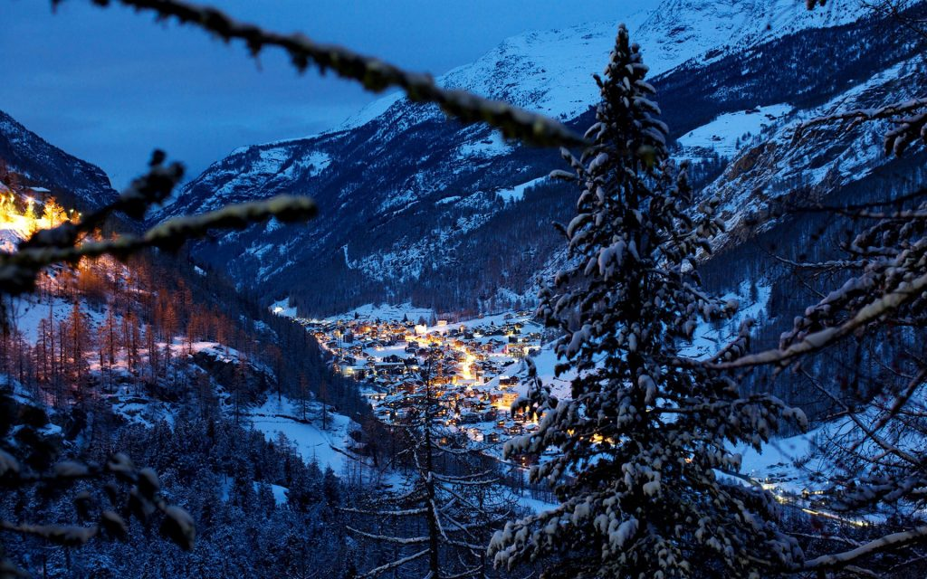 switzerland-alps-mountains-winter-snow-night-trees-houses-evening-P-wallpaper-PIC-MCH0105318-1024x640 Wallpaper Snow Night 41+