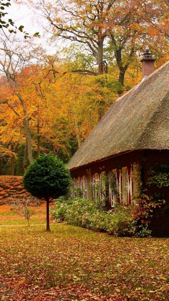ws-Country-House-in-Autumn-x-PIC-MCH0118859-576x1024 Country Wallpapers For Your Phone 33+