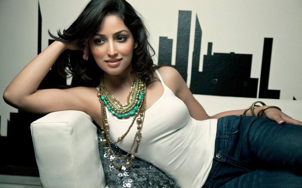 yami-gautam-x-bollywood-actress-model-hd-PIC-MCH0120579-1024x640 Cute Actress Wallpapers For Mobile Phones 21+