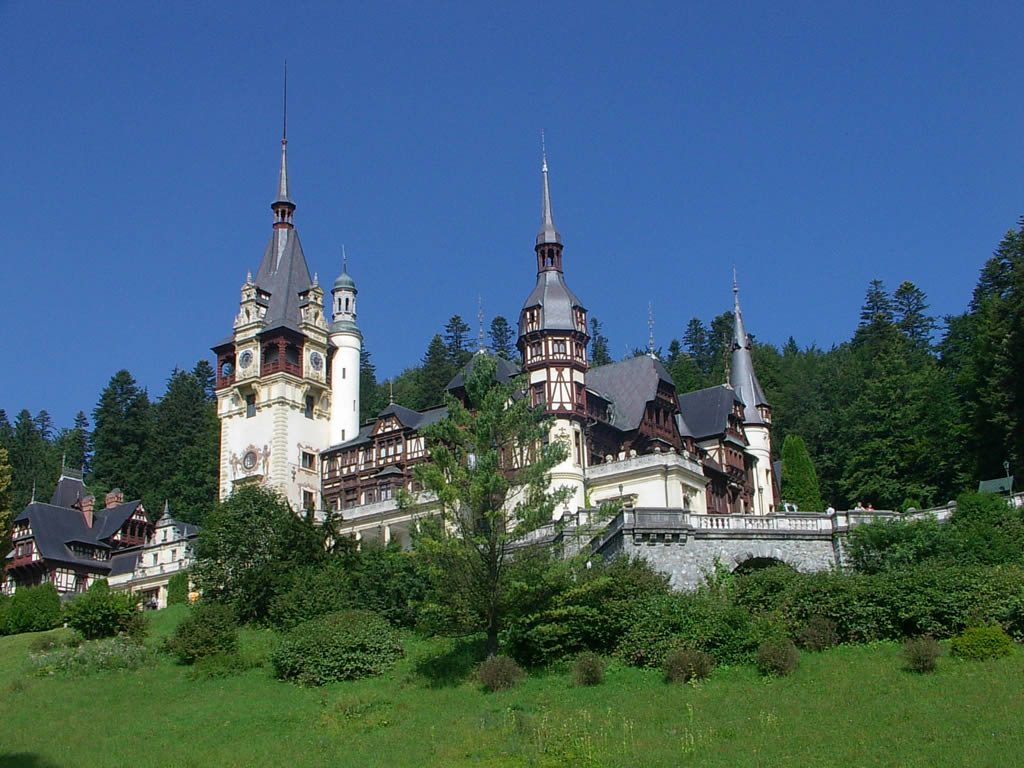 Peles-Castle-Sinaia-Romania-Wallpaper-PIC-MCH094242-1024x768 Wallpaper Munti Romania 18+