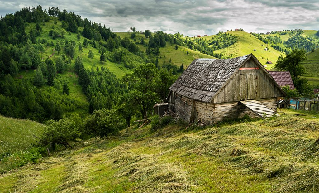 Romania-Scenery-Houses-Brasov-Hill-Trees-Grass-x-PIC-MCH099205-1024x619 Romania Wallpaper Desktop 37+