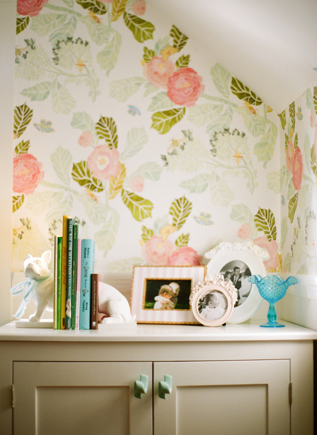 StyleMePrettyLiving-PIC-MCH0104485 Anthro Watercolor Wallpaper 10+