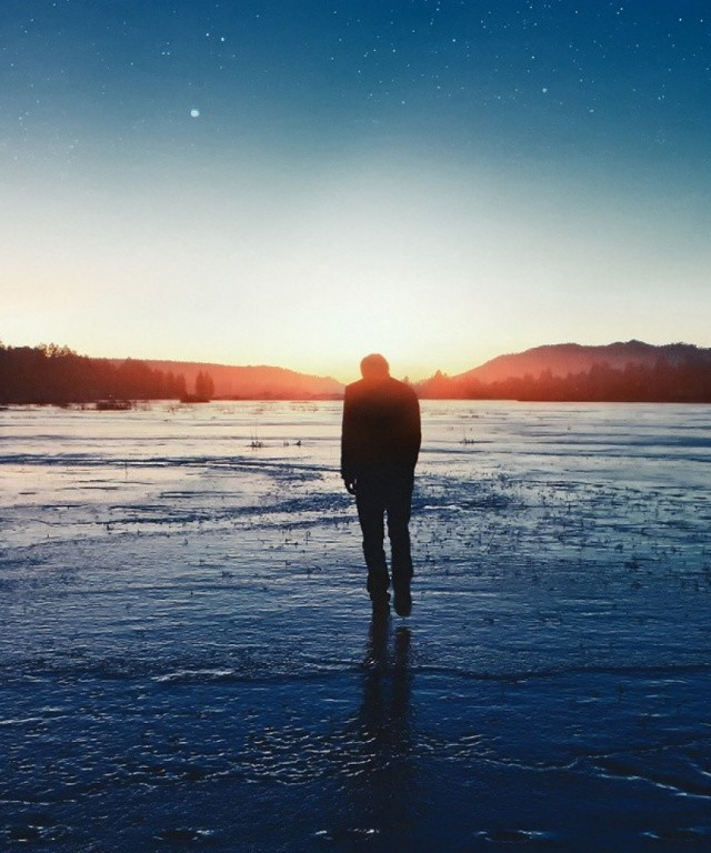Water-Sunset-Stars-Lonely-Man-Walking-x-PIC-MCH0115530 Lonely Wallpapers Hd 27+