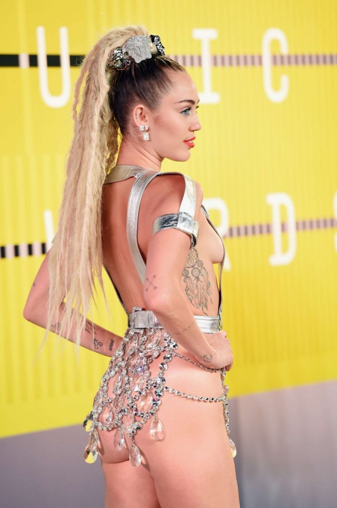 miley-cyrus-tattoos-PIC-MCH086228-680x1024 Miley Cyrus Tattoos Wallpapers 16+