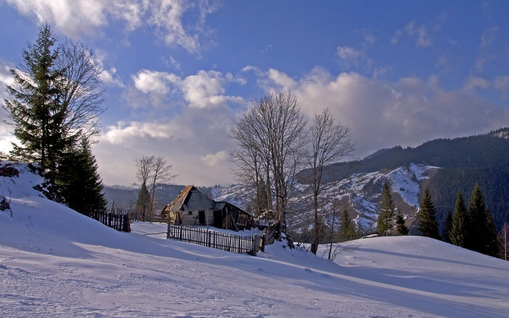 winter-landscape-mountains-wallpaper-background-trees-house-wallpapers-romania-snow-PIC-MCH0116891-1024x640 Romania Wallpaper Desktop 37+
