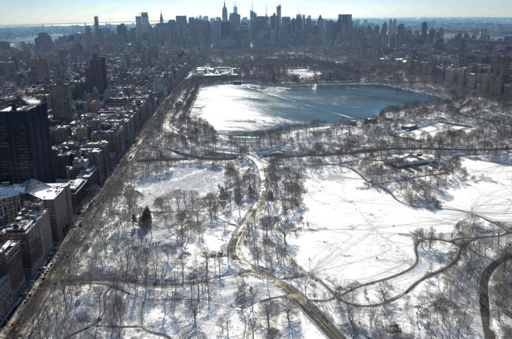 @NYDailyNews-Central-Park-snow-PIC-MCH037938-1024x678 Central Park Snow Wallpaper 30+