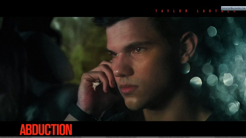 Abduction-Taylor-Lautner-Talking-On-Phone-PIC-MCH038295-1024x576 Taylor Lautner Desktop Wallpaper 45+