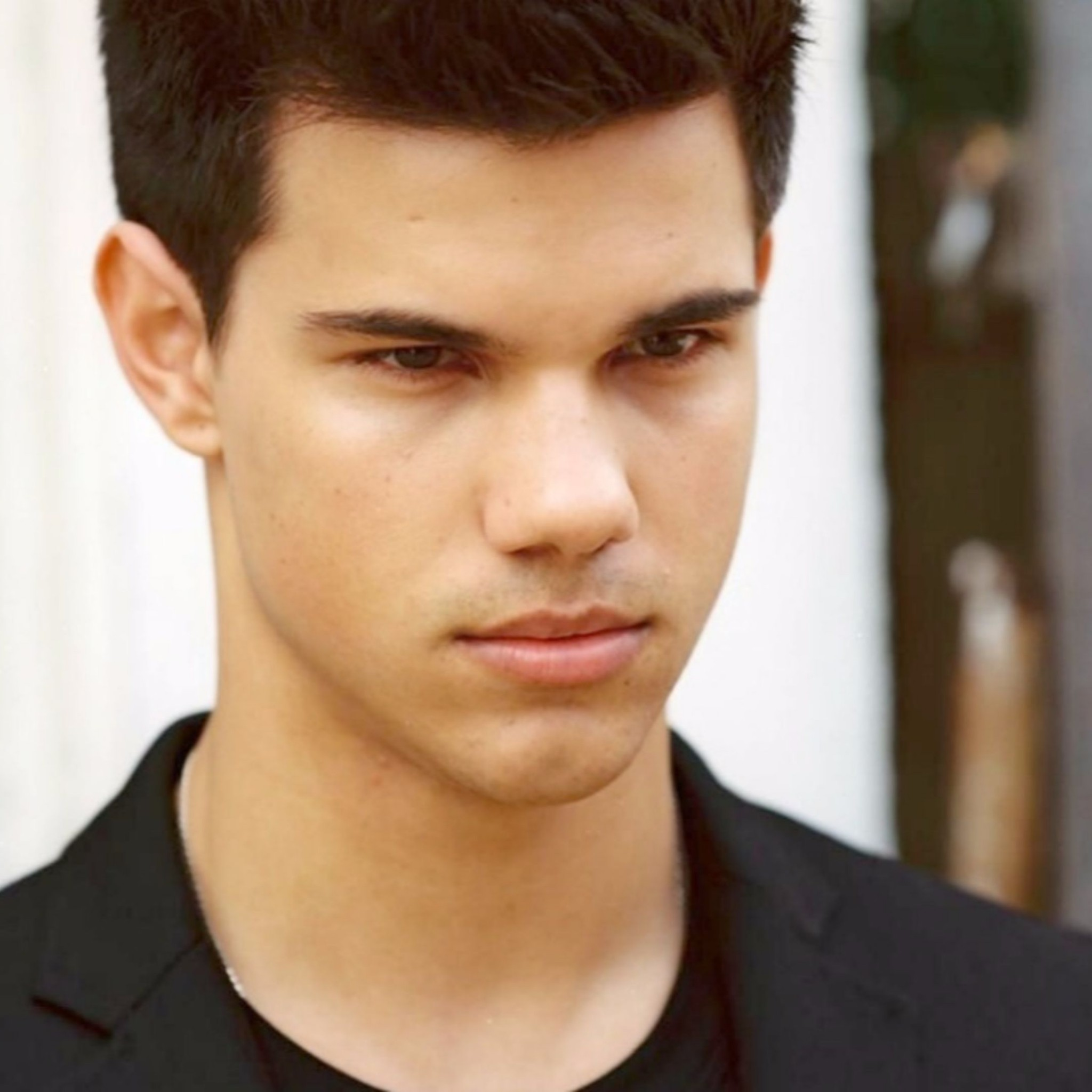 Best Taylor Lautner K Wallpapers X Pic Mch045601 Dzbcorg