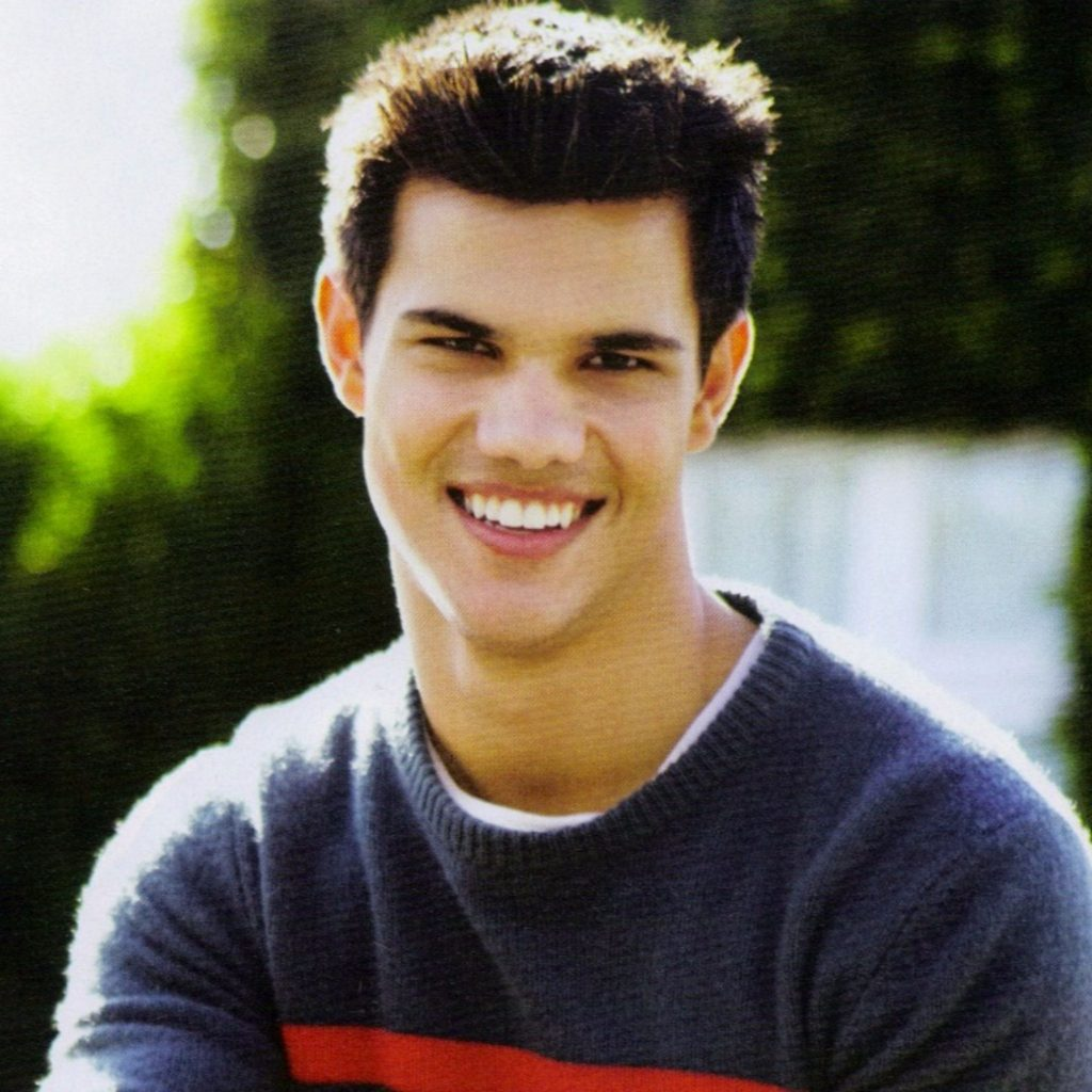 Cute-Taylor-Lautner-K-Wallpapers-x-PIC-MCH055683-1024x1024 Taylor Lautner Iphone Wallpaper 26+