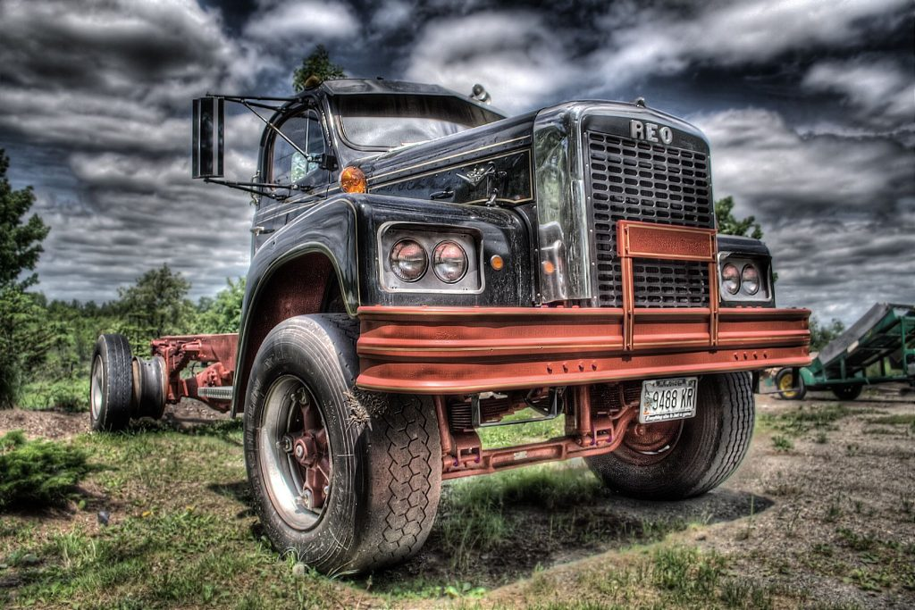 old-truck-hd-wallpapers-free-download-best-hd-widescreen-desktop-wallpapers-of-vintage-truck-PIC-MCH092137-1024x683 Trucks Wallpapers Free 39+