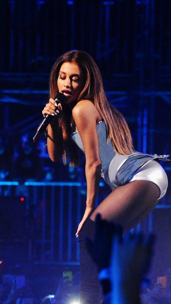 papers.co-hi-ariana-grande-music-concert-blue-iphone-plus-wallpaper-PIC-MCH093387-576x1024 Ariana Grande Wallpaper Hd Iphone 6 18+