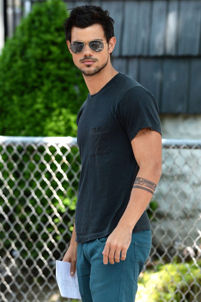 taylor-lautner-tracers-PIC-MCH0105762-681x1024 Taylor Lautner Wallpaper Tablet 37+