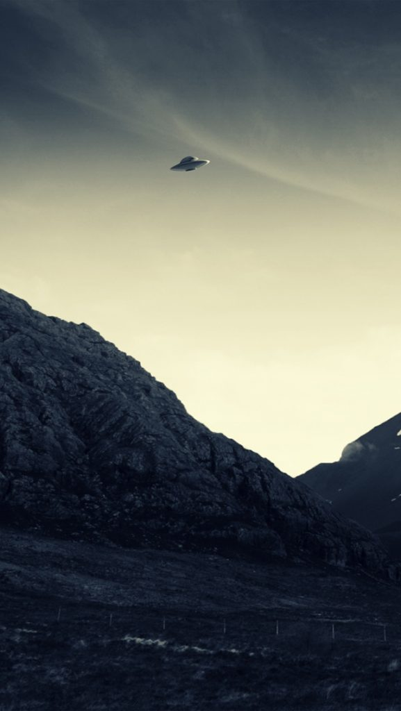 UFO-Flying-PIC-MCH0109019-577x1024 Ufo Wallpaper Iphone 16+