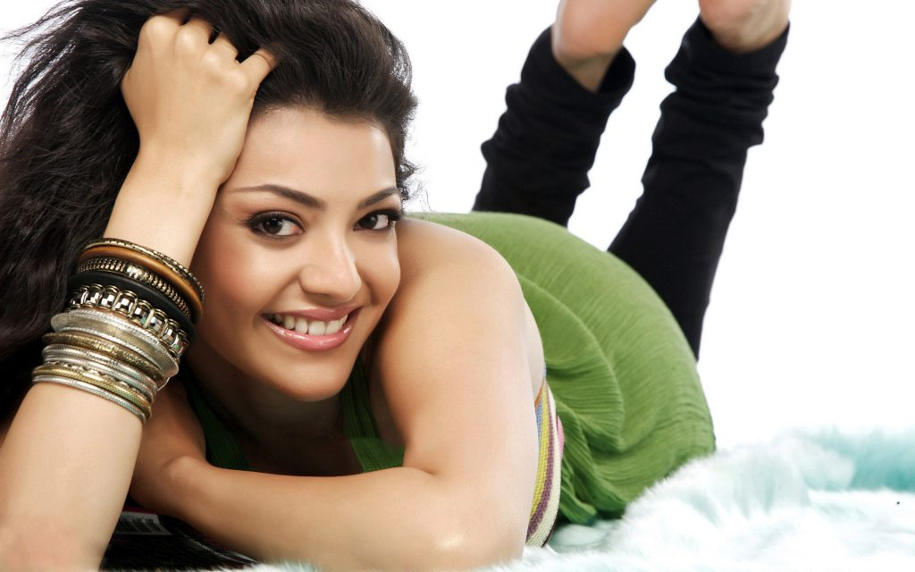 kajal-Agarwal-Cute-Smile-Face-Sleep-Full-HD-Wallpapers-PIC-MCH079315-1024x640 Smile Wallpaper Full Hd 26+