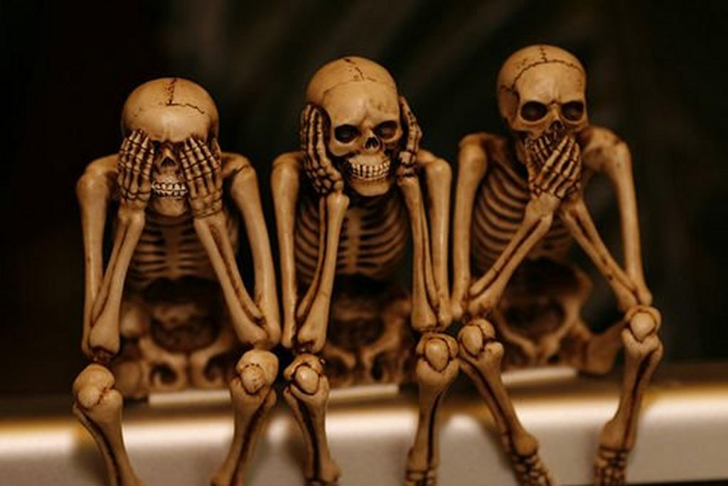 three-wise-skeletons-PIC-MCH0107340-1024x684 Hd Cartoon Wallpapers For Laptop 39+