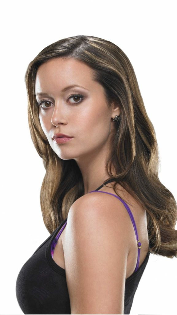 PIC-MCH027265-576x1024 Summer Glau Wallpaper Iphone 47+