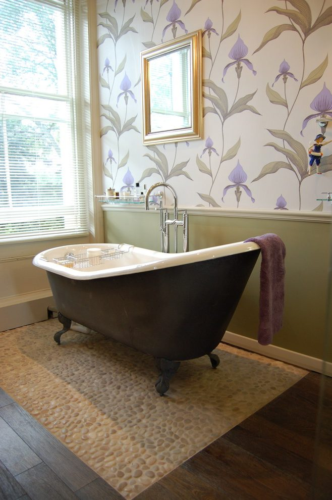 Traditional-bathroom-wallpaper-bathroom-victorian-with-claw-foot-tub-window-blinds-wall-art-PIC-MCH0108018 Thibaut Wallpaper Grcloth 18+