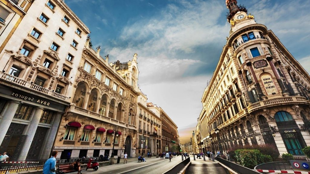 barcelona-city-building-street-people-hd-wallpaper-PIC-MCH043631-1024x576 City Wallpaper Hd 1920x1080 35+