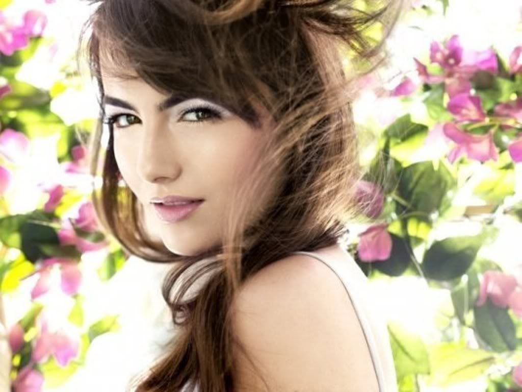 camilla-belle-wallpapers-PIC-MCH021021-1024x768 Belle Wallpaper Pack 20+