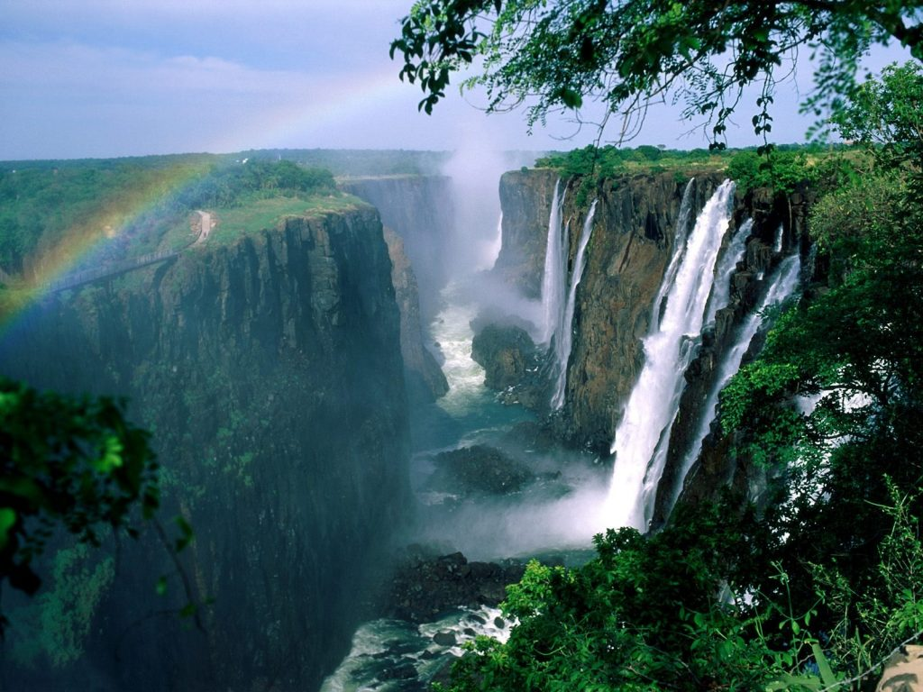 downloadfiles-wallpapers-victoria-falls-wallpaper-waterfalls-nature-PIC-MCH060386-1024x768 Wallpapers Of Waterfalls 24+