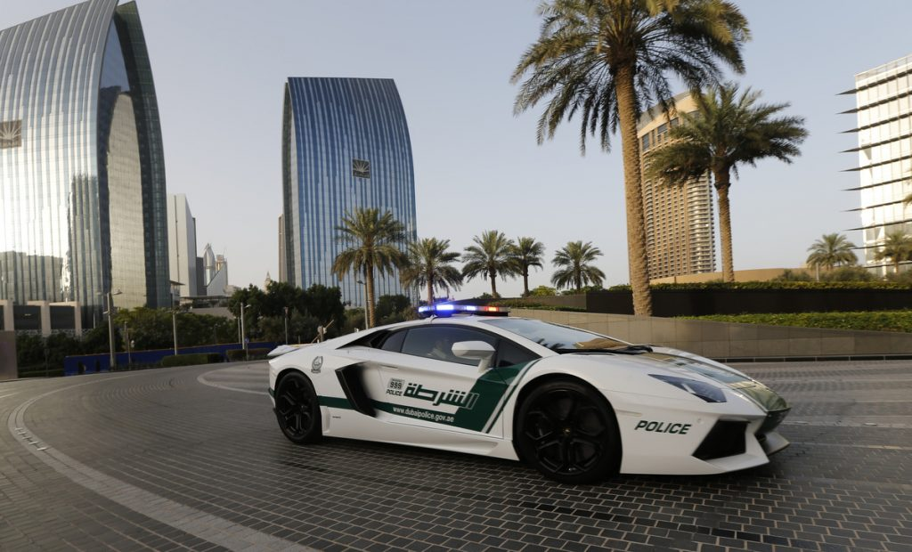 dubai-cars-wallpapers-for-iphone-On-wallpaper-hd-PIC-MCH061186-1024x620 Dubai Police Car Wallpapers 38+