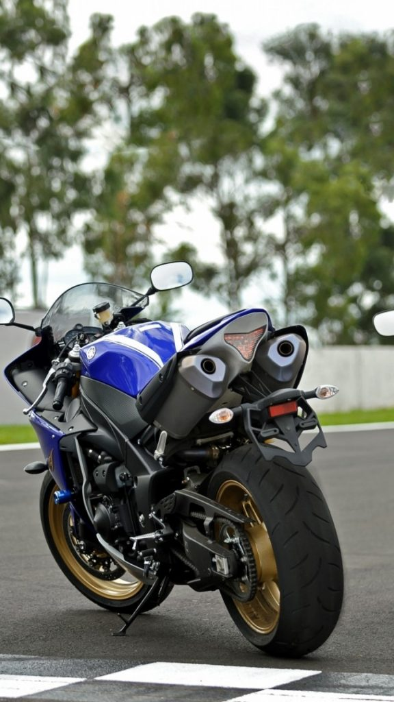 yamaha-yzf-r-back-view-motorcycle-PIC-MCH0120542-576x1024 Yamaha R1 Wallpaper Iphone 32+