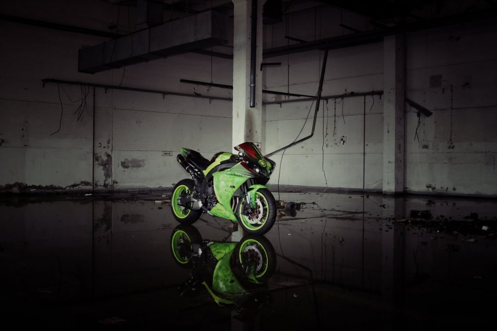 yamaha-yzf-r-green-bike-yamaha-p-bike-green-light-reflection-PIC-MCH0120544-1024x683 Yamaha R1 Wallpaper Iphone 32+