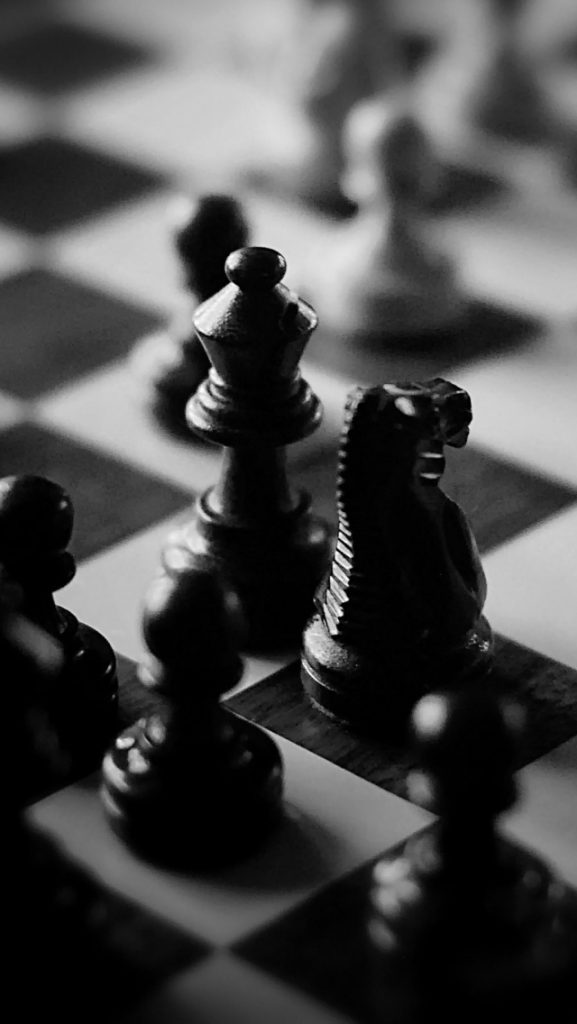 Black-and-White-Chess-Games-l-PIC-MCH036120-577x1024 Chess Wallpapers For Mobile 17+